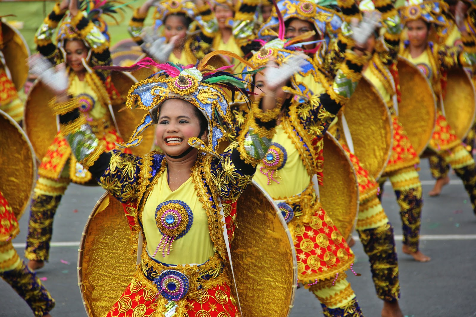 There's a festival which the mother of all and happens every year in the Philippines where dancers enter into fierce competitions. A one million Philippines peso grand prize; coupled with the crown title are the main incentives, though the Manila fiesta is packed with cultural and ethnic annotations as well as national pride. Dancing and strutting all the best stuff on the street and stage; the Aliwan festival involves floats, the Reyna and Tugtog.